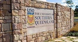 about usq